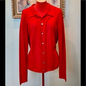 Jennifer Moore red button down cardigan in a sz L